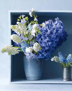 blue-vases-141-mld108799.jpg