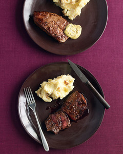 med104169_1108_steak_plate.jpg