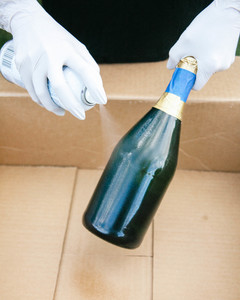DIY glitter champagne bottle step 3