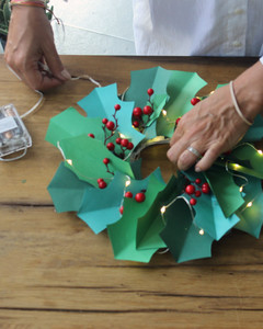 paper christmas wreath step 6