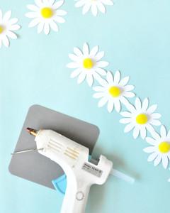 paper daisy chain with glue gun