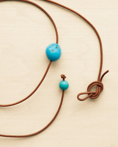 leather-necklace-016-mld109869.jpg