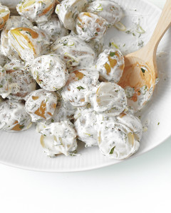 herbed-potato-salad-2-med108462.jpg