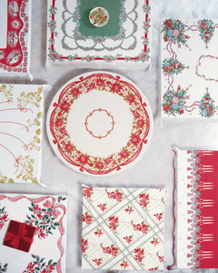 ml212_1202_tableclothround.jpg