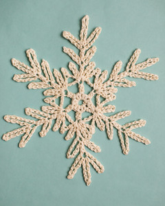 tree branch-like crochet snowflake pattern 4