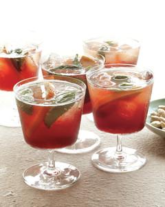 easy-entertaining-drinks-mld108949.jpg