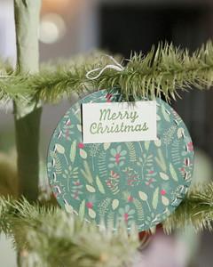christmas_gift_card_holder_ornament.jpg