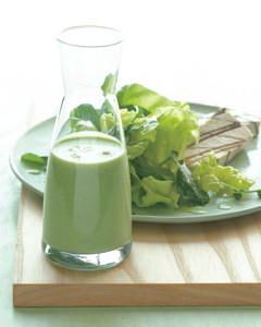 creamy garlic parsley salad dressing