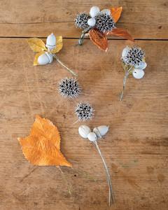 pinecone-wreath-ht-2-20971-md110592.jpg