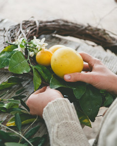 sweet laurel retreat making wreaths lemons