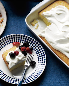 coconut-cake-berries-cream-mld108771.jpg