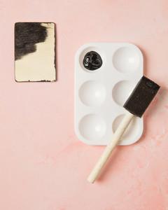 chalk coloring valentines step1
