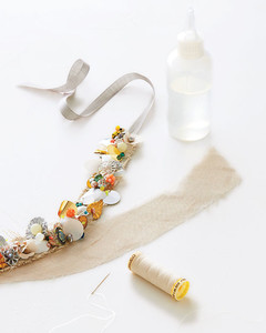 necklace-backing-glueing-0511mld107145.jpg