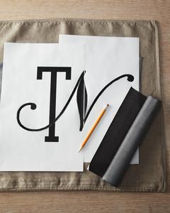 monogram-pillow-how-to-01-0911mld106831.jpg