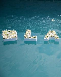 blooming en blanc party floating letters