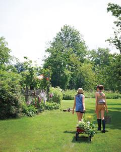 garden-party-clementine-henrietta-md107635.jpg