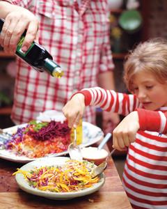 my-everyday-rainbow-salad-tossing-meds109128.jpg