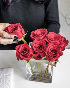 roses placed in centerpiece