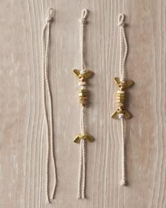 nut-bracelet-hardware-jewelry-how-to-022-ld110089.jpg
