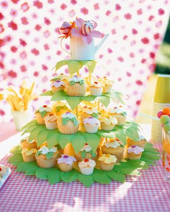a99653_cakestand&cupcakes-2.jpg