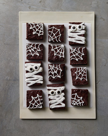 halloween brownies frosted in white