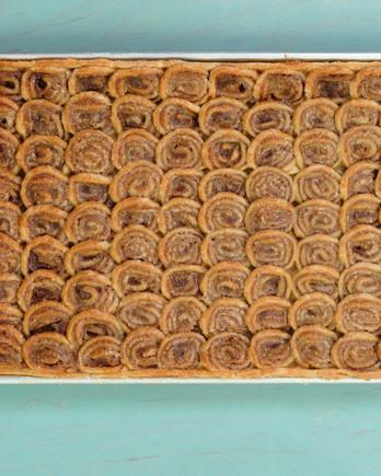 Cinnamon-Swirl Apple Slab Pie IMAGE