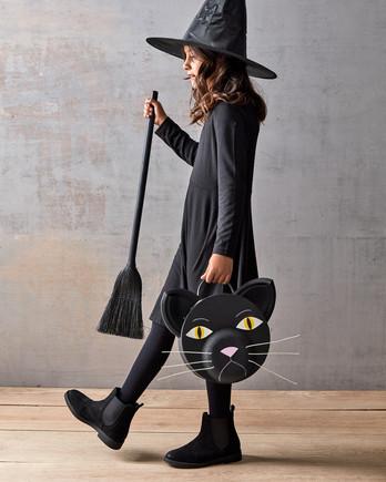 black cat treat bag for Halloween