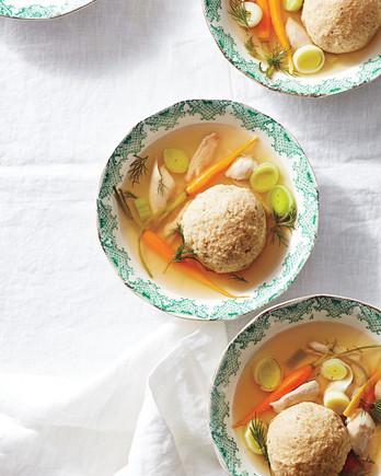 matzoh-ball-soup-037-d112763-0416.jpg