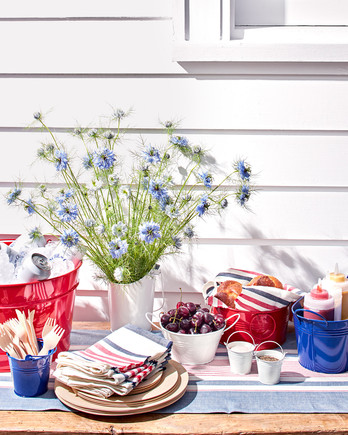 outdoor summer table