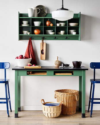 kitchen table shelves