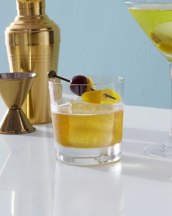 cocktails-399-bg-6152270-maple-manhattan.jpg