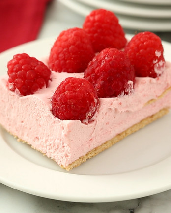Raspberry Mousse Pie HO