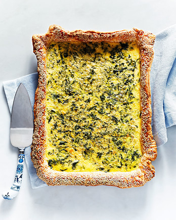 spinach cheddar slab quiche