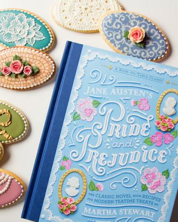 《傲慢与偏见》书的封面和装饰饼干