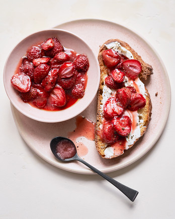 Strawberry-Goat Cheese Tartine