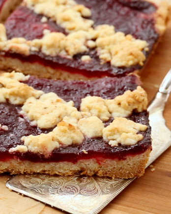 Linzer Crumble Pie with Cranberry-Raspberry Jam EH
