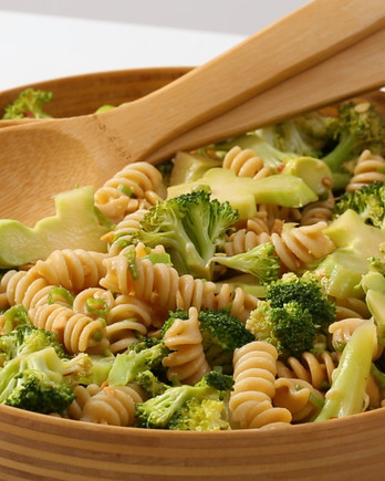 Pasta Salad with Broccoli and Peanuts Video EH
