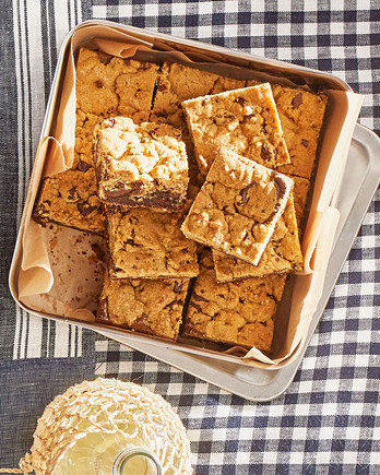 chocolate-chip streusel brownies