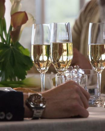 drinking-cava-table-0520-opus