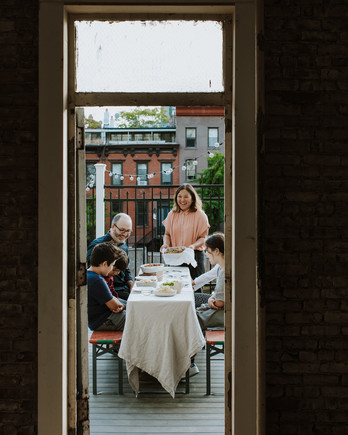 hetty-mckinnon-family-dinner-patio-brooklyn-0520
