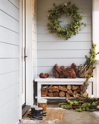 christmas-lake-tahoe-wreath-front-door-9077-d111862.jpg