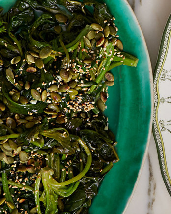 sauteed-spinach-with-pepitas-and-sesame-seeds-102797693.jpg