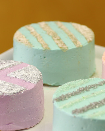 Stenciled Sparkle Cakes FROS