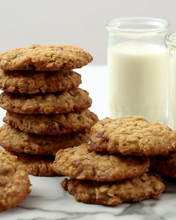 Oatmeal Cranberry Cookies Video EH