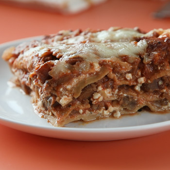 Tomato-Sausage Lasagna Video