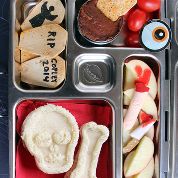 10 Super-Scary (But Also Very Cute) Bento Boxes for Halloween