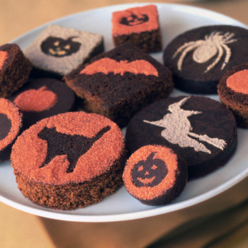 Stenciled Halloween Cakes