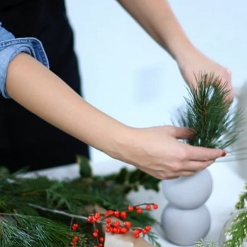 Holiday Flower Arrangements Made Easy