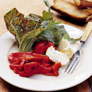Grilled Peppers and Goat Cheese Salad