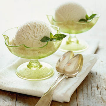 No-Cook Mint Ice Cream